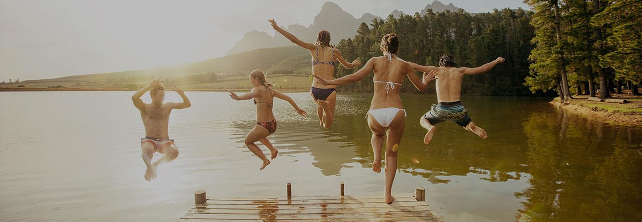 Pontile tuffi nel lago