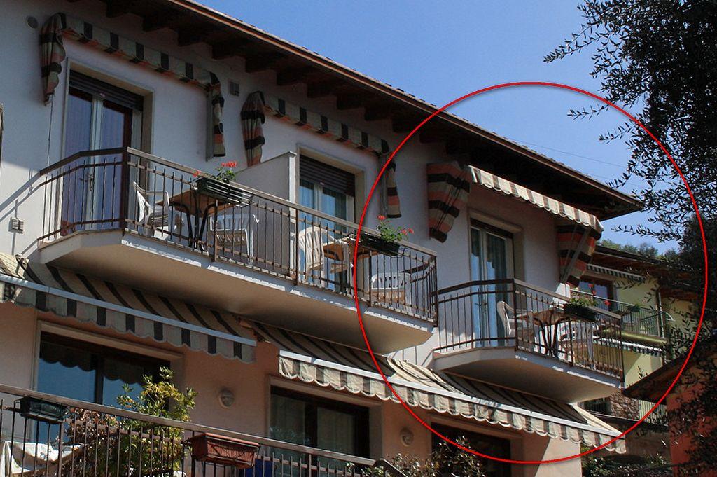 Appartamenti vacanza con Balconi vista lago a Castelletto di Brenzone