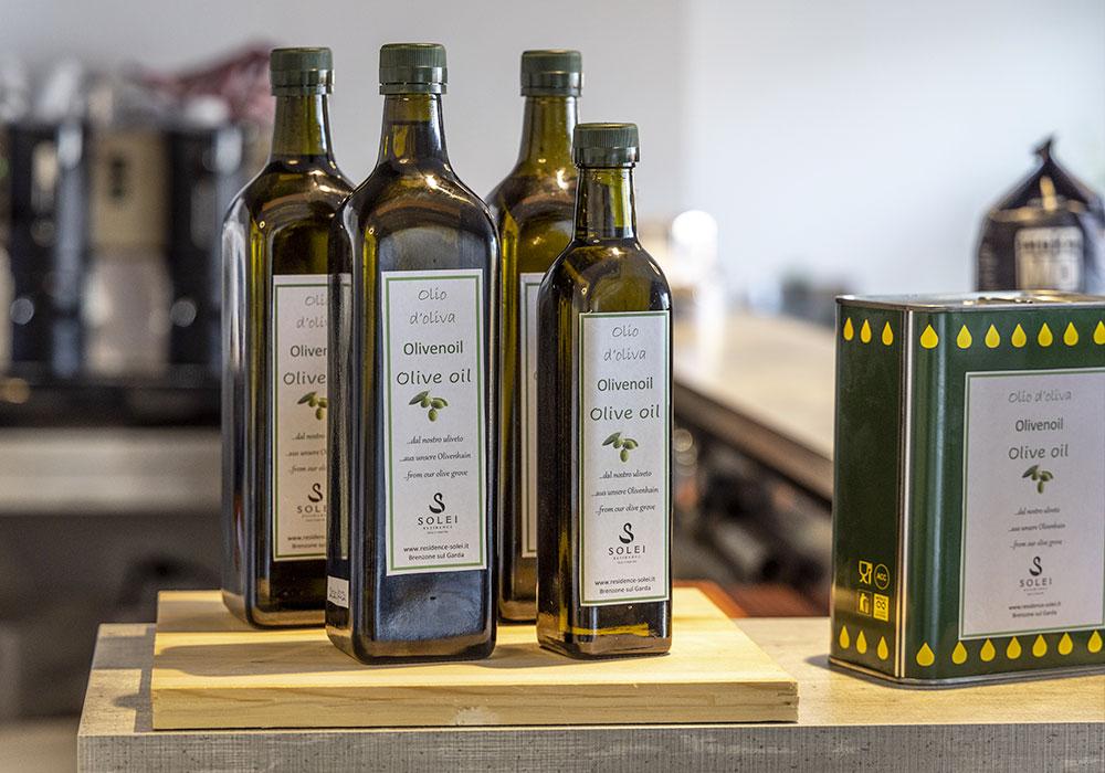 Nel nostro info point potrete acquistare l'Olio evo Solei del Garda