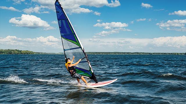Sport e windsurf sul lago di garda