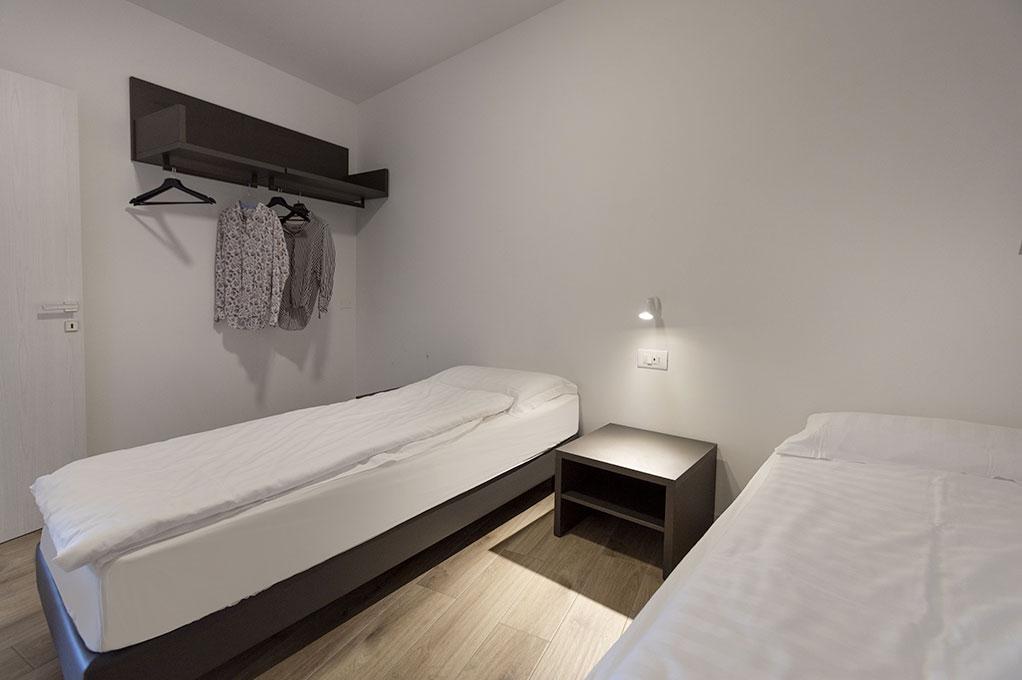 appartamento Trilocale residence Solei-Plus garda camera con due letti