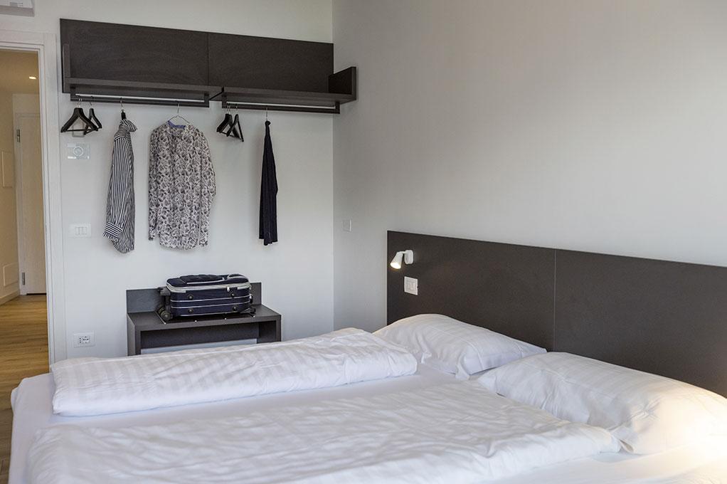appartamento Trilocale residence Solei-Plus garda camera matrimoniale