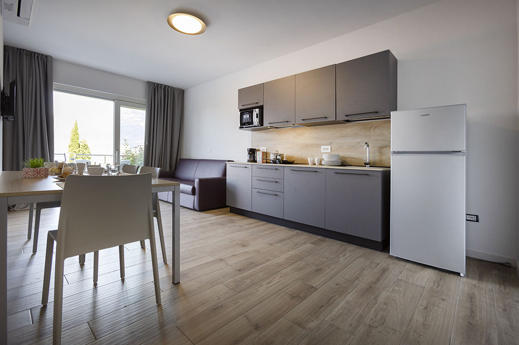 appartamento Trilocale residence Solei-Plus garda zona leaving